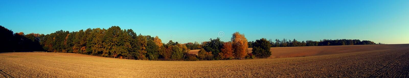 乡下在秋天 免版税库存照片