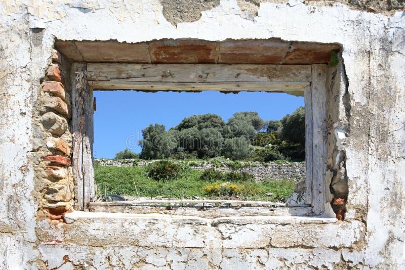 乡下漏洞废墟被看见的西班牙墙壁 库存照片