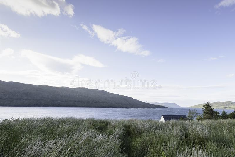 乡下的看法在斯凯岛里面小岛的  库存照片