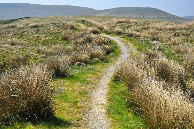 乡下英国小径小山漫步线索 库存图片