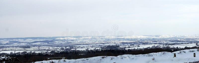 乡下雪场面的全景在德文郡西南英格兰 库存照片