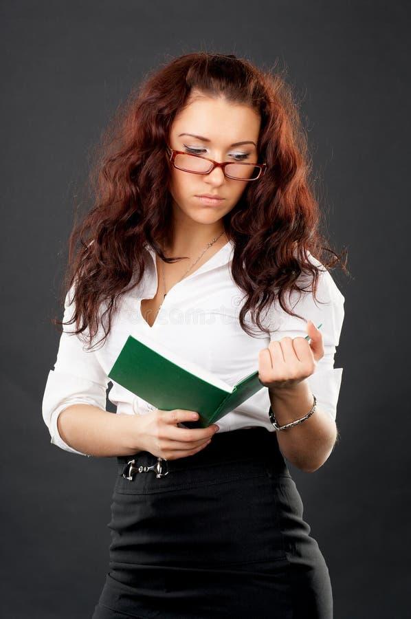 书女孩雷丁大学年轻人 库存照片