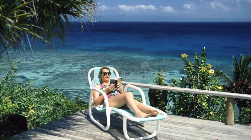 Download 书好象天堂 库存图片. 图片 包括有 远景, 绿松石, 天蓝色的, 假期, 手段, 礁石, 海景, 女性, 毫华 - 187613