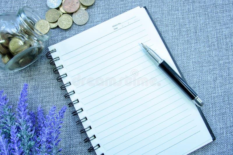 书桌视图-计划挽救 免版税库存图片