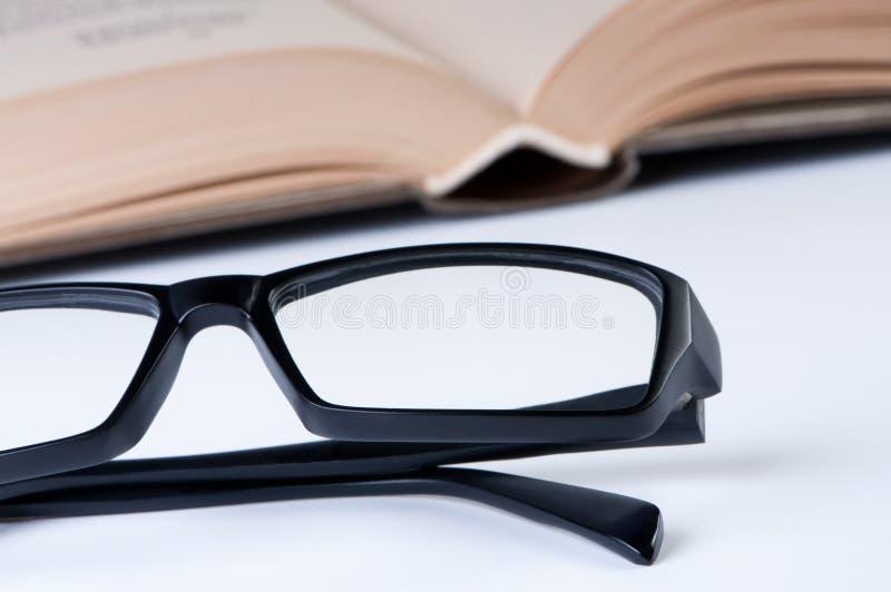 书玻璃开张读取 免版税库存图片