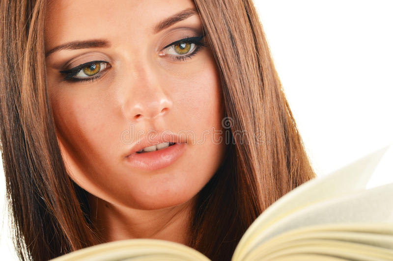 读书的少妇 免版税库存图片
