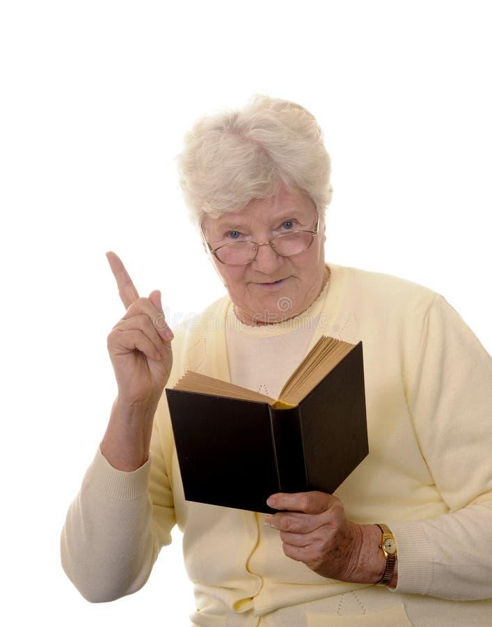 书祖母读 免版税库存图片