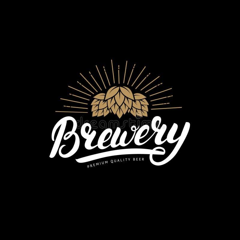 书面的啤酒厂手在商标,标签,徽章模板上写字用啤酒房子的,酒吧,客栈,酿造的公司蛇麻草, 向量例证
