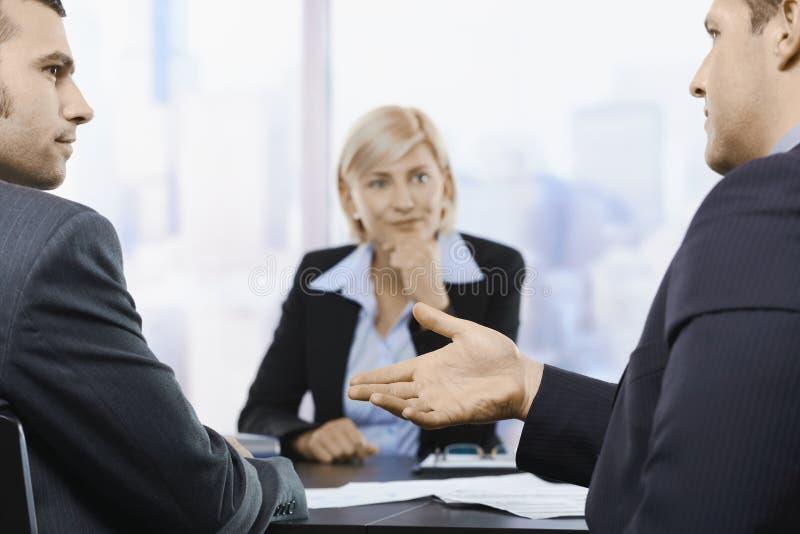 买卖人在办公室 免版税库存照片