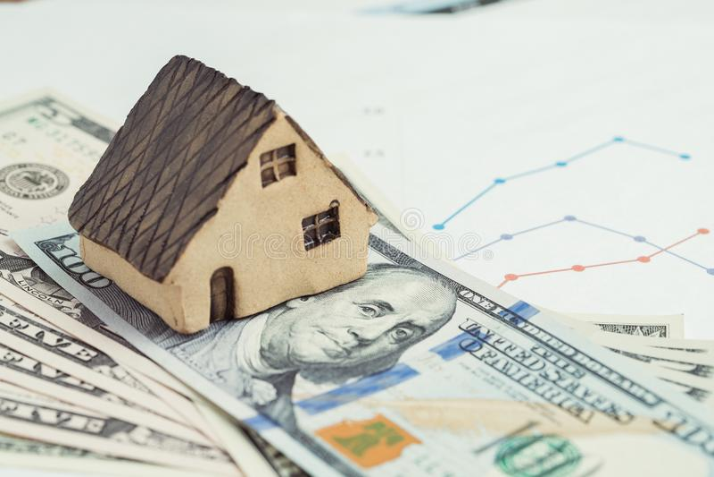 买卖房子或房地产、房屋贷款、抵押和prope 免版税库存照片