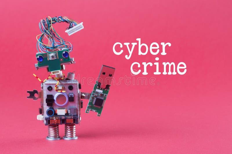 乱砍概念的网络犯罪和数据 减速火箭的机器人用usb闪光存贮棍子,时髦的计算机字符蓝眼睛的头 免版税库存图片