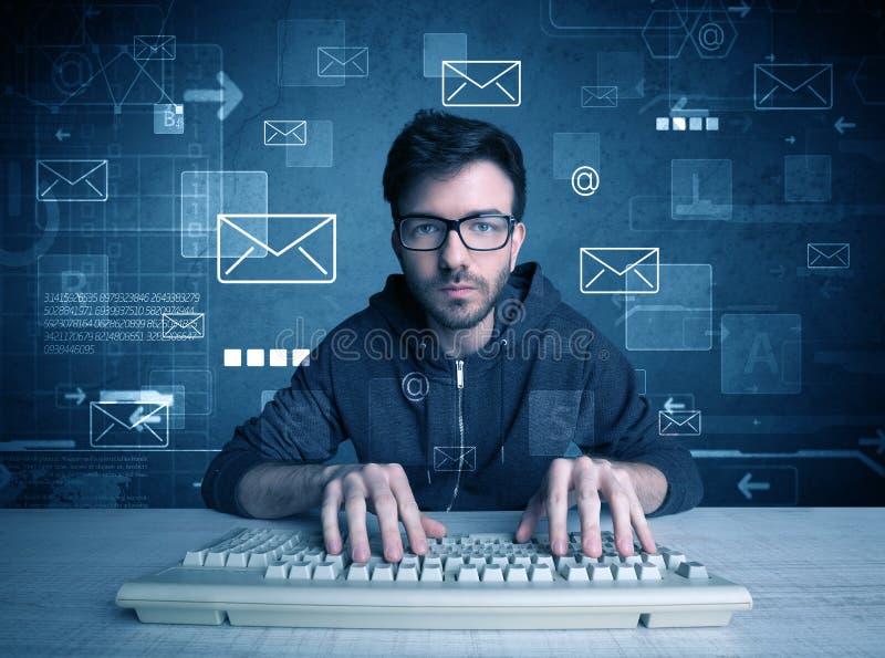 乱砍电子邮件密码概念的入侵者 免版税库存照片