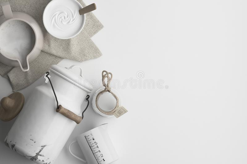 乳制品的构成,在水罐的牛奶,在白色背景的老罐头 与拷贝空间的横幅文本的 一套在的食物 皇族释放例证