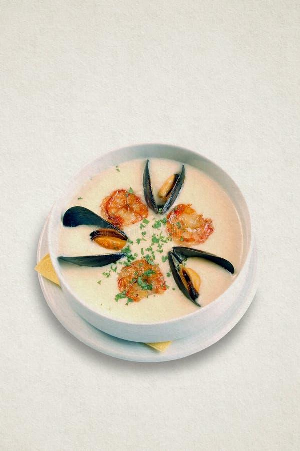 乳脂状的海鲜汤 虾,淡菜 库存图片