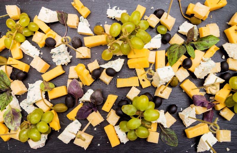 乳酪分类 在视图之上 库存照片
