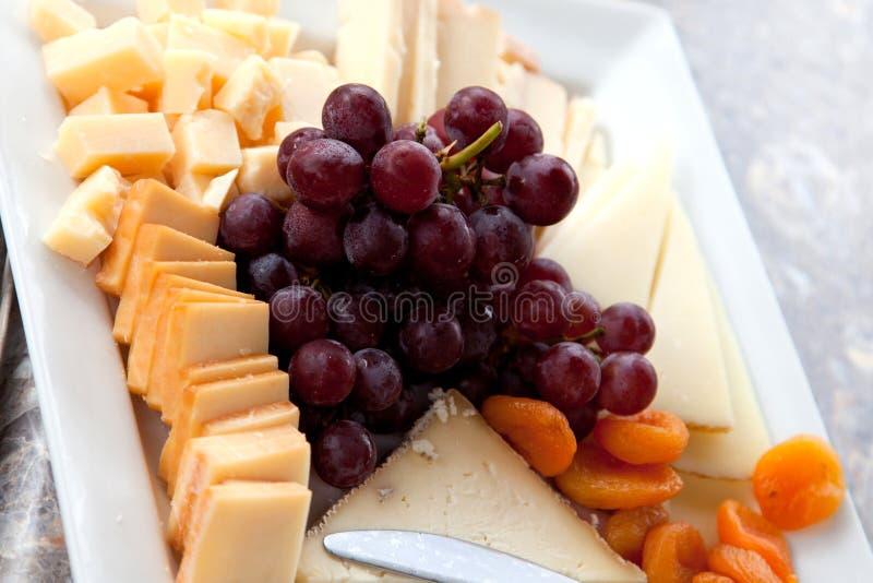 乳酪和果子 免版税库存图片