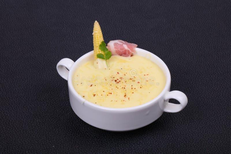乳酪汤用烟肉 免版税库存图片