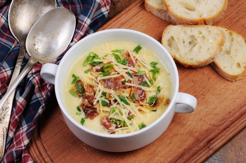 乳酪汤用烟肉 库存图片