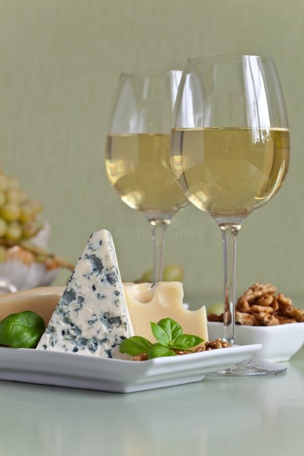 乳酪用果子和酒 库存照片
