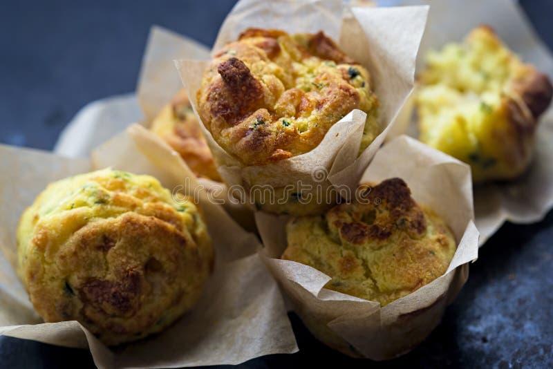 乳酪葱微型松饼 免版税库存照片
