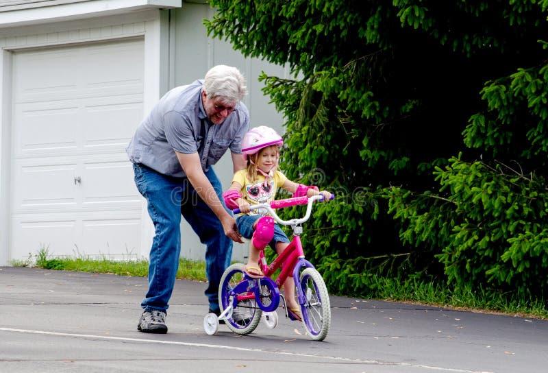 了解乘驾的自行车 库存照片