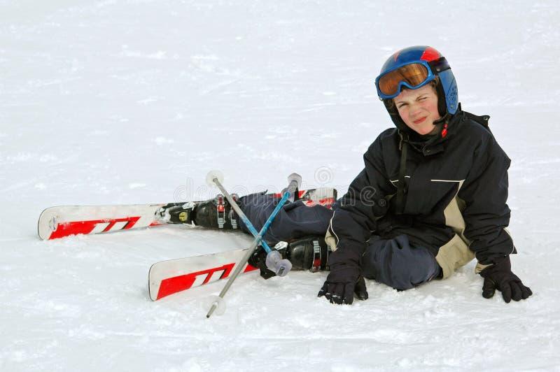 了解滑雪的男孩 免版税库存照片