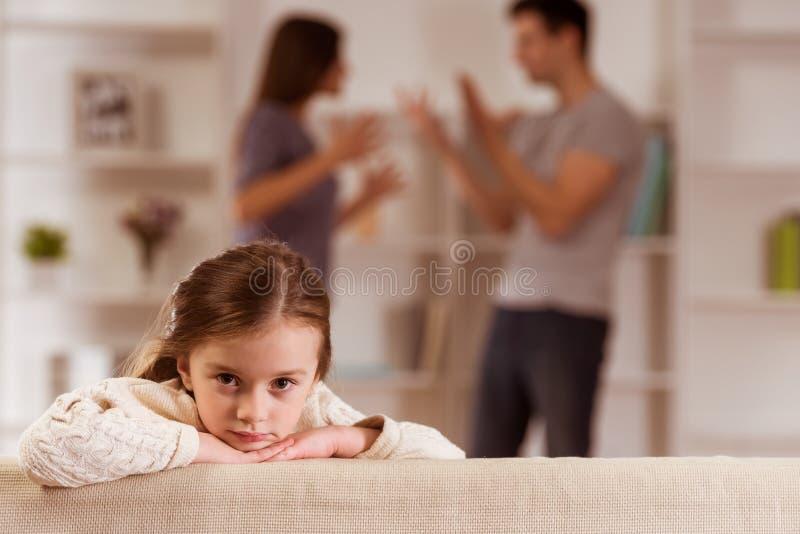 争吵让孩子烦恼 库存图片