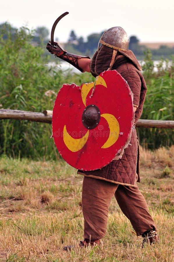 争斗准备好对北欧海盗战士 免版税库存图片
