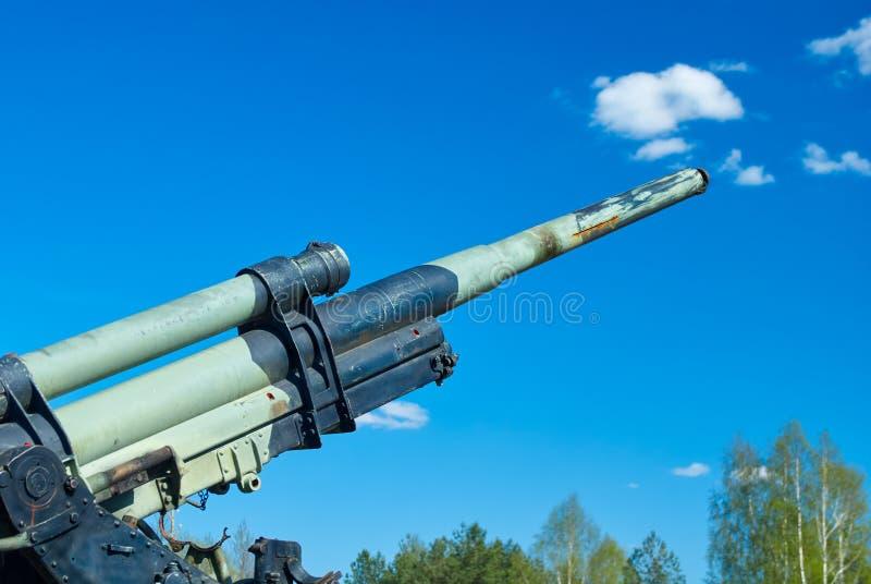 争斗在第二次世界大战在俄罗斯,军用武器的陈列,高射炮期间的列宁格勒前面地方  库存照片