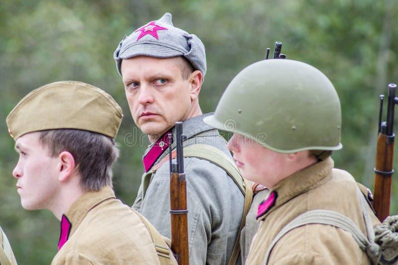 争斗的再制定在苏联和德国军队之间的世界大战2在莫斯科附近 免版税库存照片