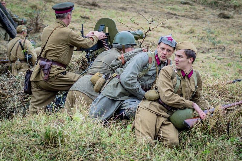 争斗的再制定在苏联和德国军队之间的世界大战2在莫斯科附近 免版税图库摄影