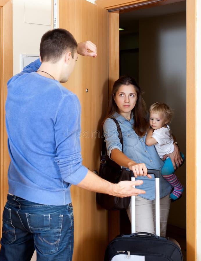 争论冲突有家室的人孕妇 图库摄影