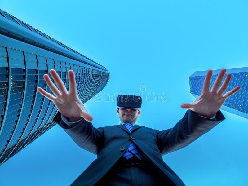 事务领导在网际空间和虚拟现实的 图库摄影