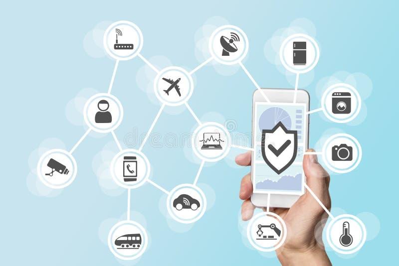 事安全概念互联网用拿着现代巧妙的电话的手控制入侵者入对象网络  库存照片