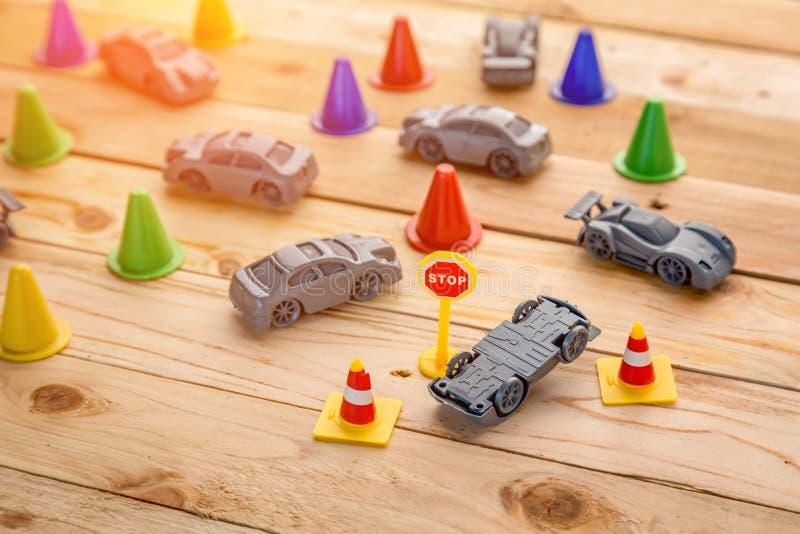 事故在木的汽车模型 图库摄影