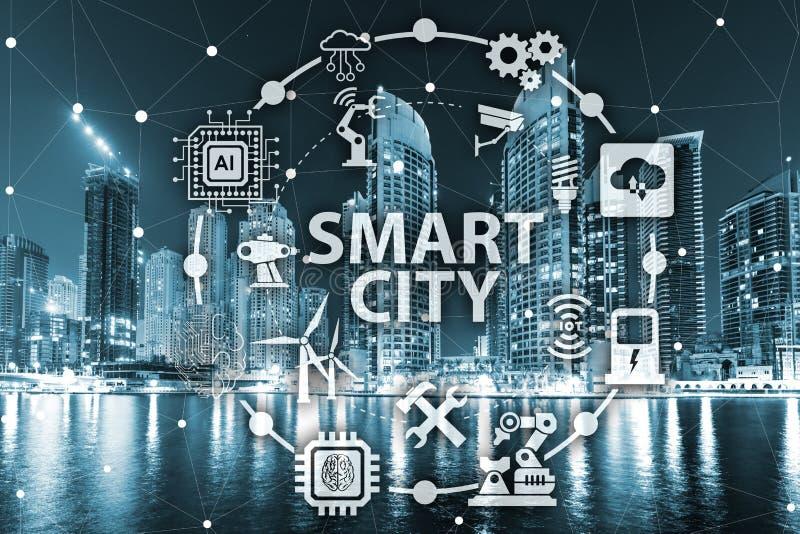 事聪明的城市和互联网的概念  免版税库存图片