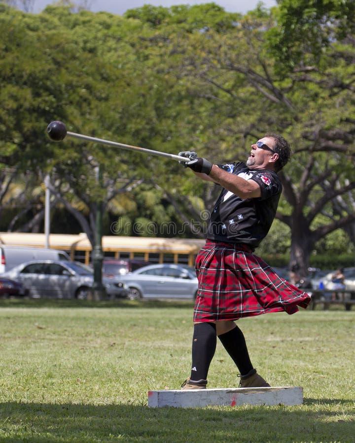 Download 苏格兰掷链球 编辑类库存图片. 图片 包括有 scot, 奥阿胡岛, 转动, 集会, 竞争, rico, 瑞克 - 30329964