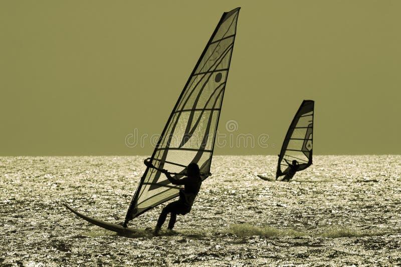 二个风帆冲浪者 免版税库存图片