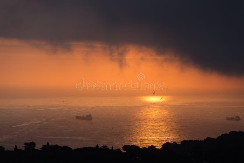 云彩和光在海阿尔及尔海湾的  图库摄影