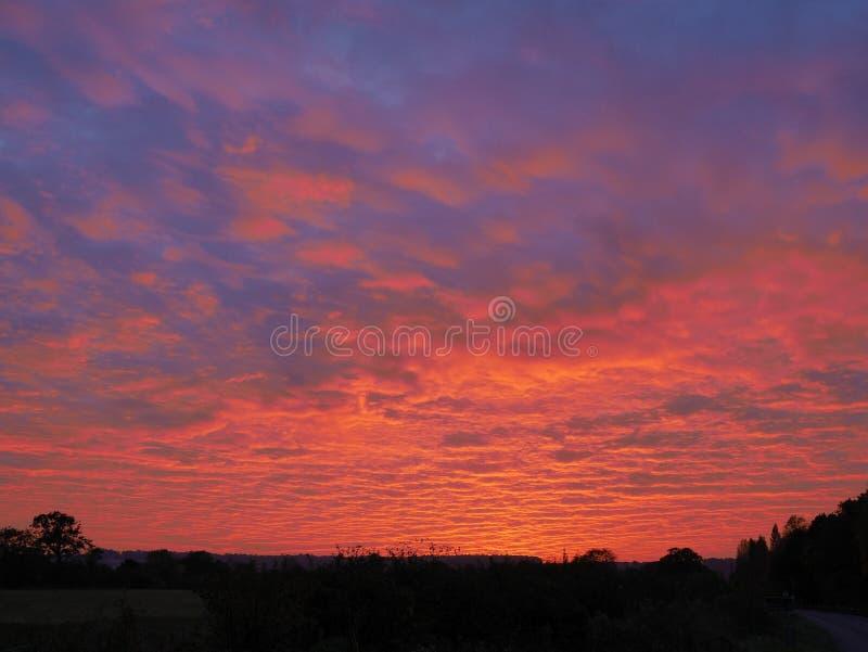 云彩和天空在日落前 库存照片