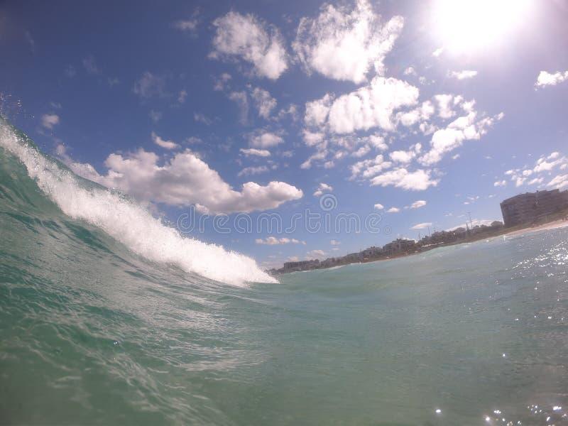 云彩和波浪泡沫 库存图片