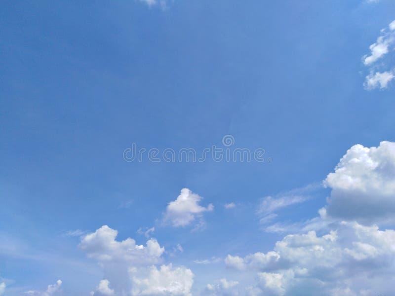 云彩和bluesky 库存照片