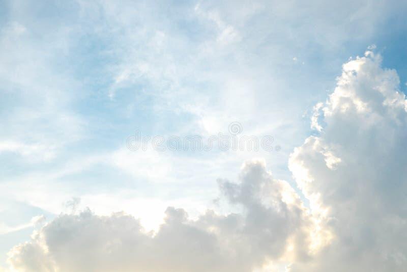云彩和bluesky 图库摄影