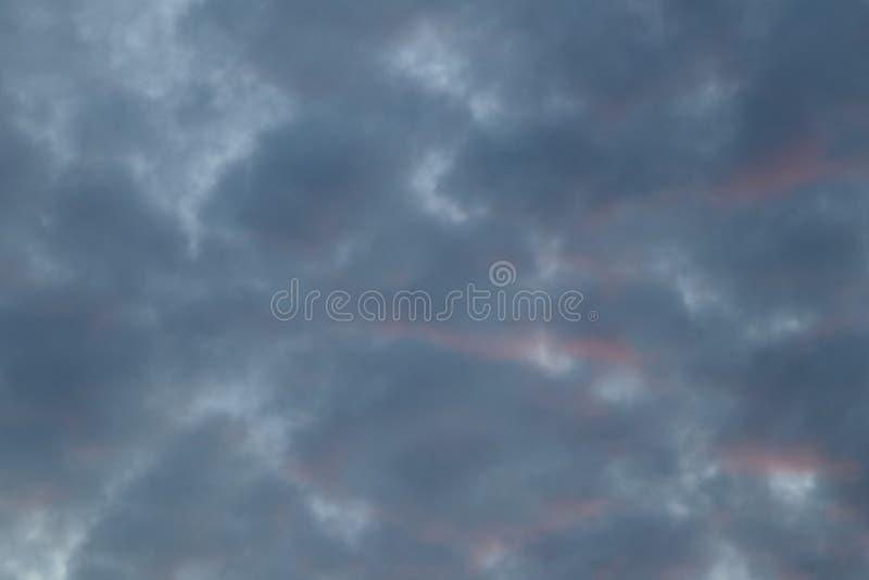 云彩在蓝天背景中 库存图片