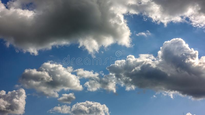 云彩在蓝色天堂 免版税图库摄影