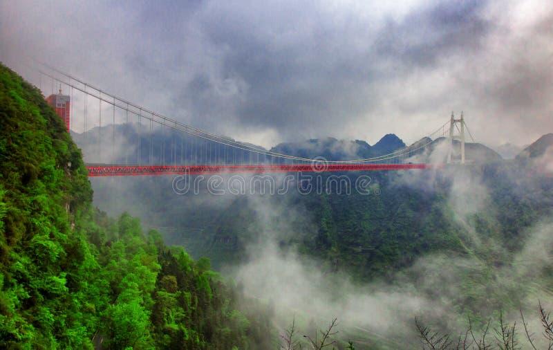 云彩桥梁 免版税库存照片