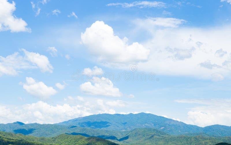 云彩盖了天空 免版税库存照片