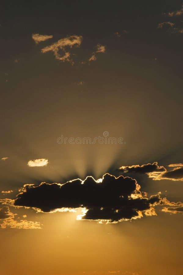 云彩纵向日落 库存图片