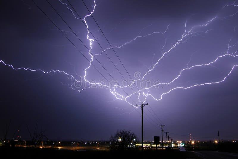 云彩闪电stirke 库存图片