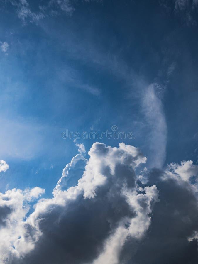 云彩,多云,天空蔚蓝,积云,天空,空气,背景,天,触毛 图库摄影
